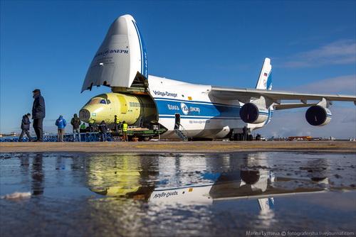 Szuhoj Superjet 100-ast szállított az An-124-es - Képgaléria